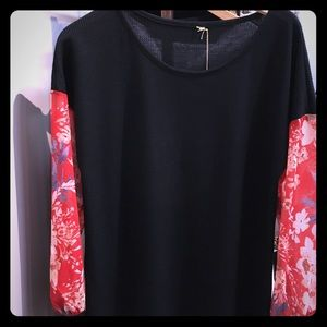 •Sheer Red Floral Sleeve Blouse